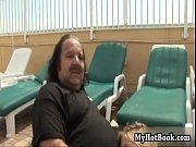 Видео секс пьяный отец взял грубо свою дочку