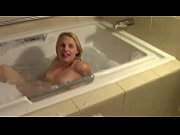 Mallory Starr bubblebath fun and pussy play