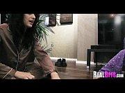 Видео лишает девственности на парте