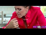 Как ласкать рукой клитор видео