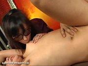 Молодые секси лесбиянки в лосинах