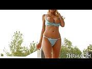 Озабоченная девушка выложила свою мастурбацию видео
