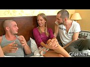 Видео как жена пернула в лицо мужу