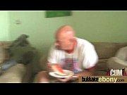 фистинг большими дилдо в жопу милашки видео