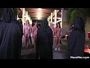 Порно грабители трахнули всех женщин по очереди