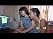 Молодая телка дрочит перед камерой писю смотреть онлайн