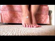 Порно девушки размазывают сперму по телу подборки
