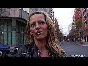 Кто лижет жене в россии покажите видео