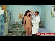 Медсестры сосут черный член