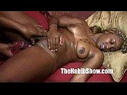 Мужик занимается сексом с сексапильной зрелой дамой