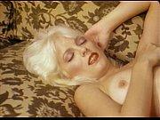 Порно с молодой с маленькими сиськами фото