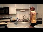 Взрослые русские женщины с молодыми парнями видео скс