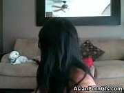 Мужик лижет молодой девушке пизду секс видео