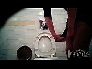 Видео госпожа принуждает парня к кунилингусу