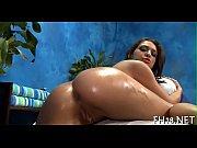 Красивая девушка с шариком в попе смотреть