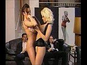Муж любит смотреть когда жена занимается сексом с негром