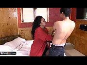 порно видео зрелые полные с огромной грудью кормящие молоком