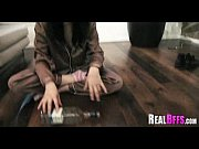 Привязали руки и ноги девушки кровати и жестоко занялись этим видео смотреть