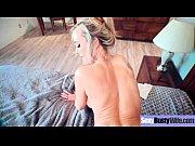 Подсмотрел как бабушка подмывает пизду в тазике
