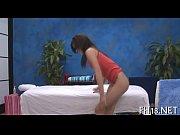 Порно красивых девушек на интим массаж оргазм струями