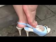 Жена ебет страпоном мужа любительское видео