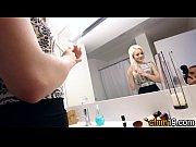 Порно с блондинкой в фитнес центре