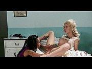 карлик с болшое грудю порно ролик