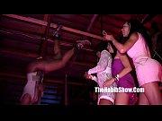 Порно видео девушка мастурбирует на скрытую камеру