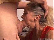 Девушка кончает в рот друг другу