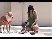 Секси видео девушка делает массаж