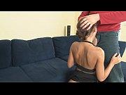 Видео жёсткого минета брюнетки