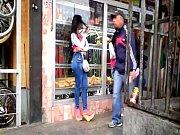 Японские девушки какают и какают на мужчин видео