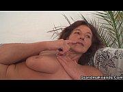Порно видео онлайн массаж парень делает двум девушкам