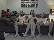 видео он во время секса сильно кусает ей соски