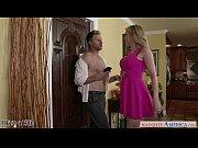 Смотреть порно жена не сдержалась перед массажистом