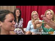 Порно ролики женщина лижет женщину