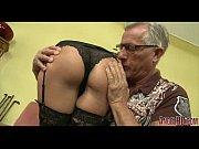 Eldre kvinne søker yngre menn fat shemale