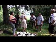 Видео как моется женщина с большой грудью ивдруг заходит парень трахает её