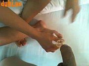 Грубо разорвали очко членами и трахнули рукой