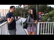 Негр облил девушку спермой с ног до головы