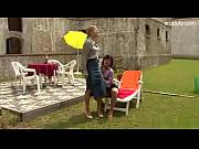 Блондинка секретарша раздевается видео