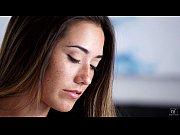 Трое ебут уборщицу видео онлайн
