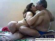 Смотреть порно муж ебёт жену с другом