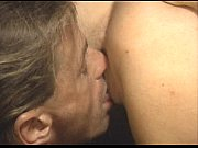 Три женщины трахают парня онлайн порно