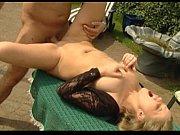 Девушки в кабинках на пляже голые