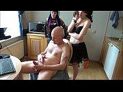 Видео бабка жирная старая попраоила внука сделать массаж