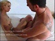 Секс с девушкой на постели видео