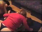 Две три девушки абалденно целуются видео