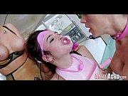 Развратная мама учит дочку видео порно