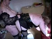 порно дрочит мастурбация на людях